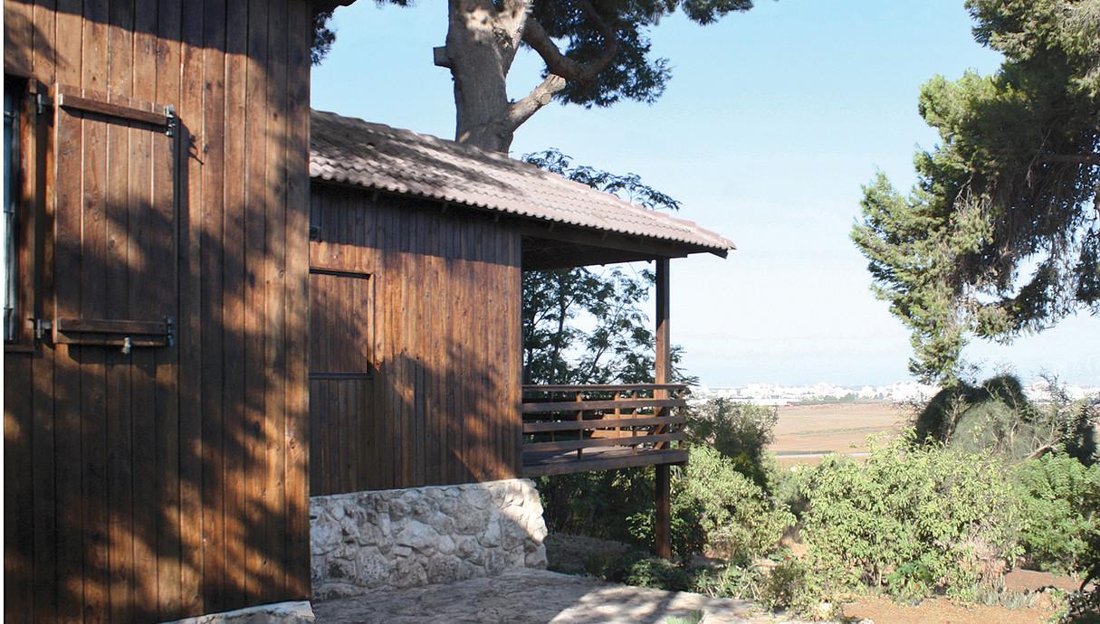 מרפסות שוות, הבית עם 2 העצים גולני אדריכלים - 1