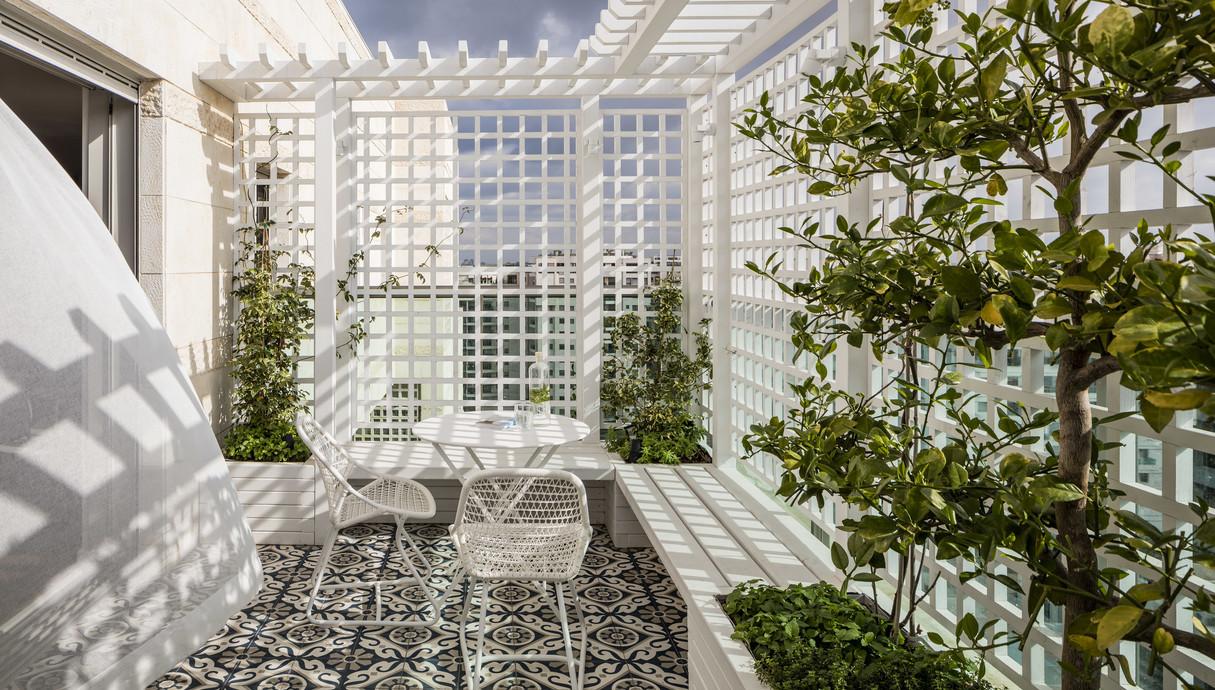 מרפסת מטבח עיצוב פנינית שרת אזולאי תכנון נוף כרכום עיצוב נוף שידוד