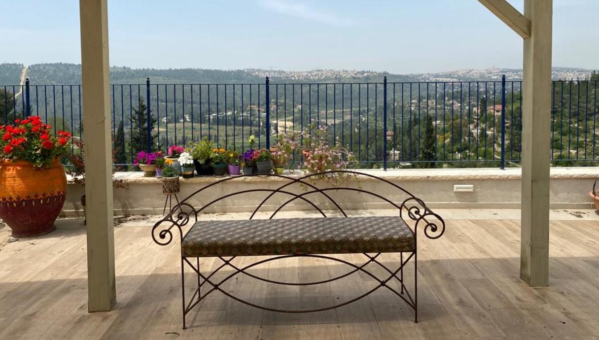מרפסות שוות, אדריכלית רות חובב מרפסת בבית לשימור תמונות - 6