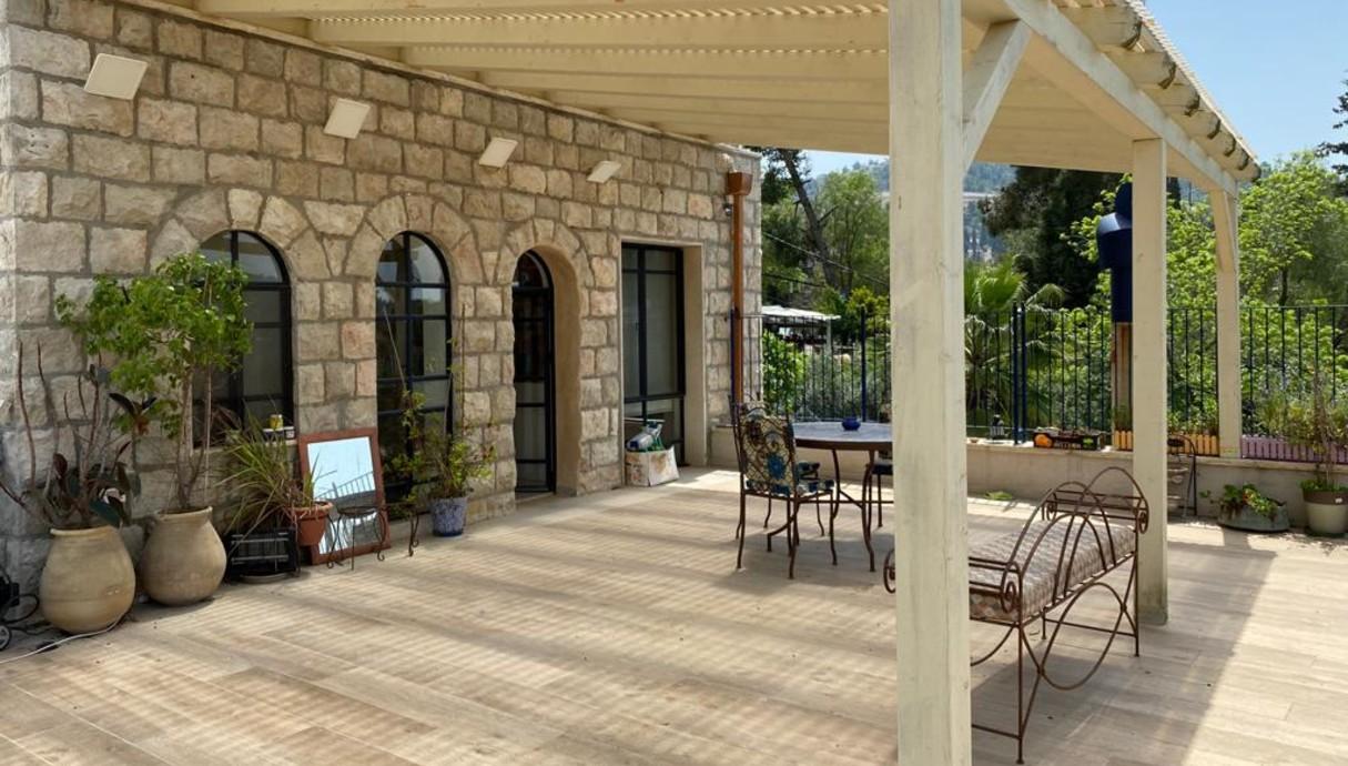 מרפסות שוות, אדריכלית רות חובב מרפסת בבית לשימור תמונות - 7