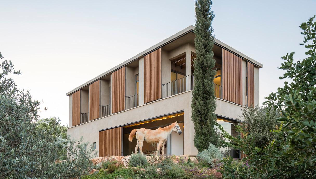מרפסות שוות, גולני אדריכלים - 2