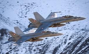 מטוסי החיל (צילום: Fabrice COFFRINI / AFP, GettyImages)