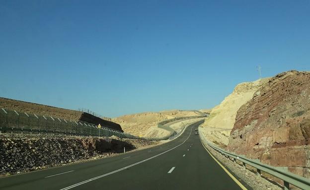 כביש 10 (צילום: אריאלה אפללו)