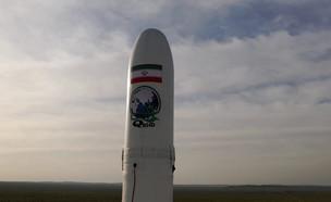 """שיגור לוויין אירני בשם """"נור"""" (צילום: רויטרס)"""