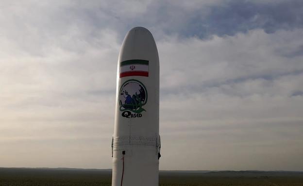 """שיגור לוויין אירני בשם """"נור"""" (צילום: שי פרנקו,רויטרס)"""
