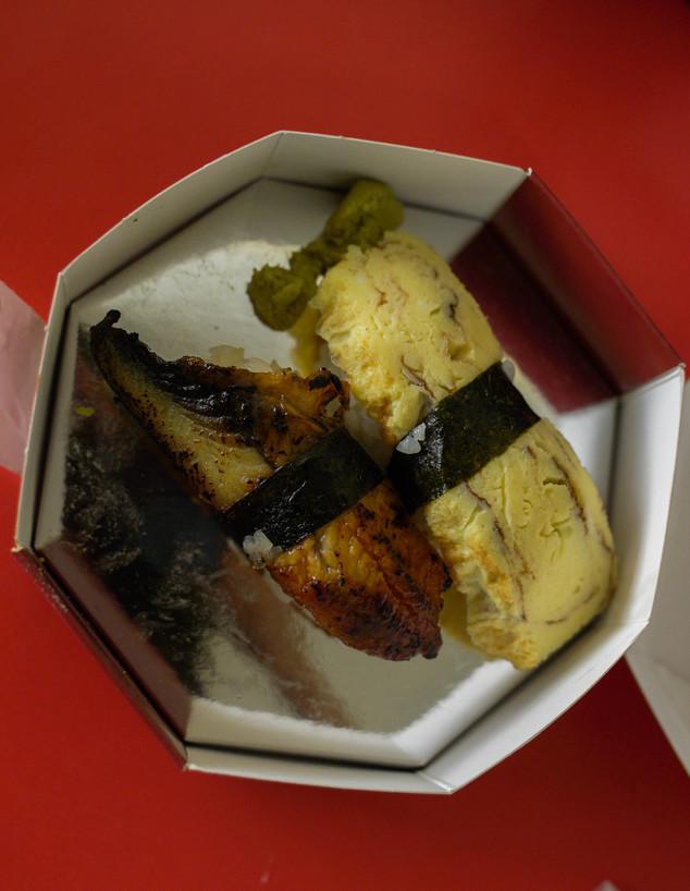 ניגירי אונאגי וניגירי טמאגו שהוספנו לחיזוק (צילום: צילום ביתי, אוכל טוב)