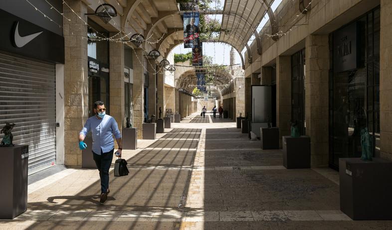 קורונה בישראל - מדרחוב ממילה (צילום: אוליבר פיטוסי , פלאש 90)