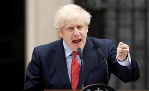 ראש ממשלת בריטניה, בוריס ג'ונסון, ימים לאחר שהחלים (צילום: רויטרס)