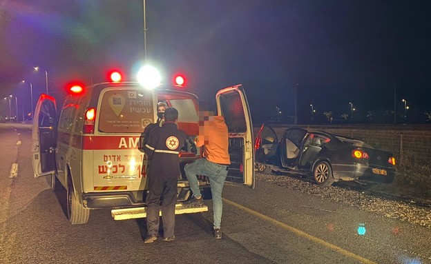תאונה בכביש 4 (צילום: גל צלח, תיעוד מבצעי מד
