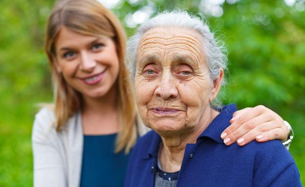 סבתא (צילום: shutterstock By Ocskay Mark)