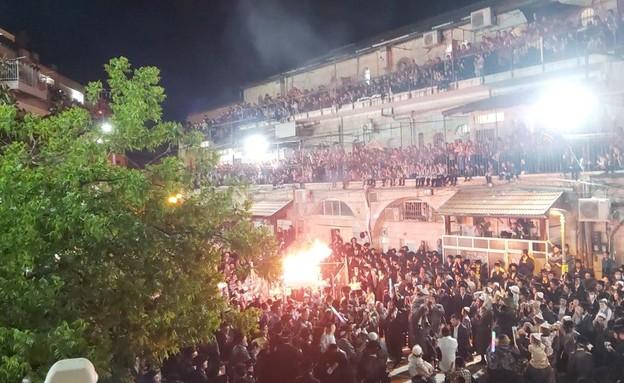 """חגיגות ל""""ג בעומר בניגוד להנחיות בירושלים (צילום: מחאות החרדים הקיצוניים)"""