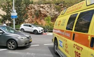 """זירת תאונה בירושלים (צילום: ישי לוי, תיעוד מבצעי מד""""א)"""