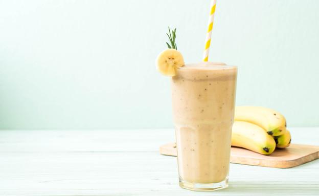 שייק בננה (צילום: gowithstock, shutterstock)