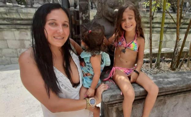 """המשפחה שנסעה לתאילנד ולא יכולה לחזור (צילום: מתוך """"חדשות הבוקר"""" , קשת 12)"""