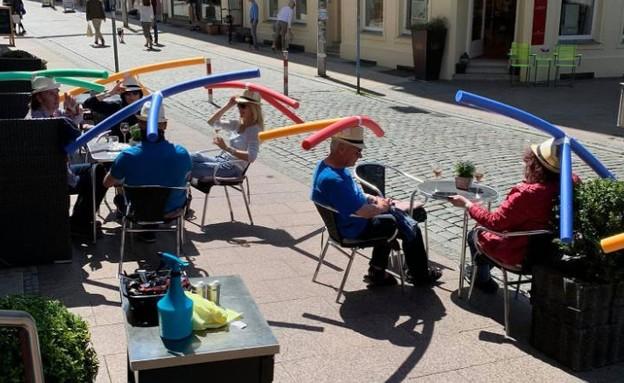 בית קפה בגרמניה בימי קורונה (צילום: סוכנויות הידיעות)