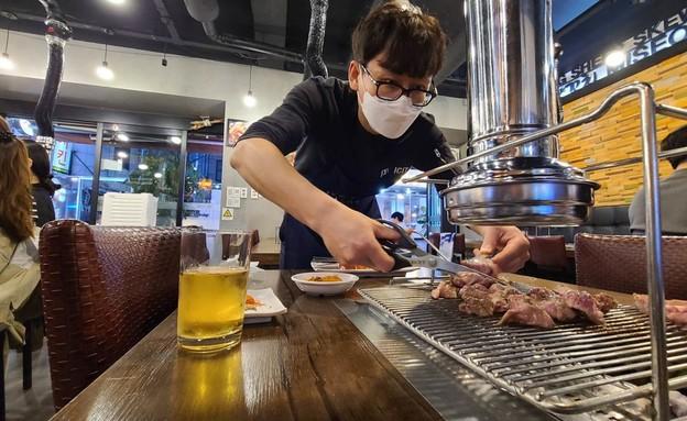 בצל הקורונה: המסעדות והברים בדרום קוריאה נפתחים