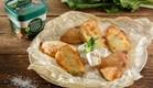 מאפה תורכי של בצק יוגורט ממולא בגבינה בולגרית ותרד- משק צוריאל (צילום: בני גם זו לטובה)