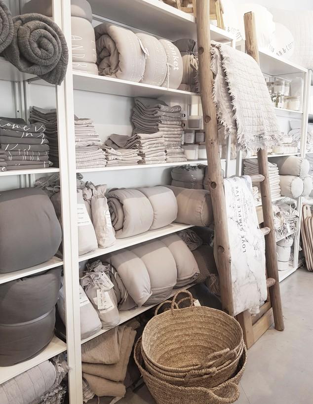 חנויות עיצוב 2020, ג, אוף ווייט ליבינג - 2