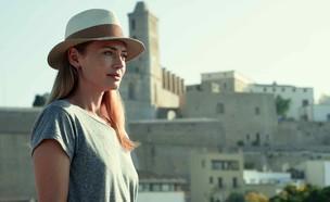 """לורה האדוק, """"קווים לבנים"""" (צילום: Netflix)"""
