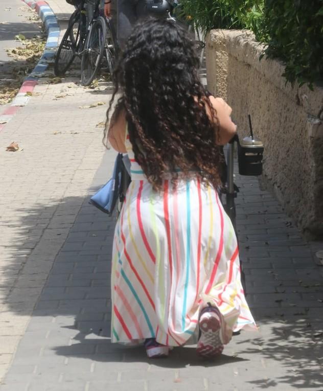 בת אל פארפורה מתרגלת לאימהות. מאי 2020
