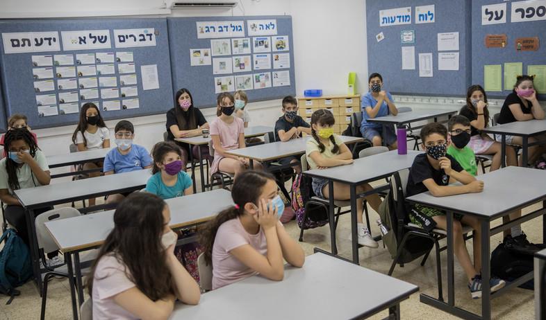 בית ספר בעידן הקורונה (צילום: יונתן זינדל, פלאש 90)