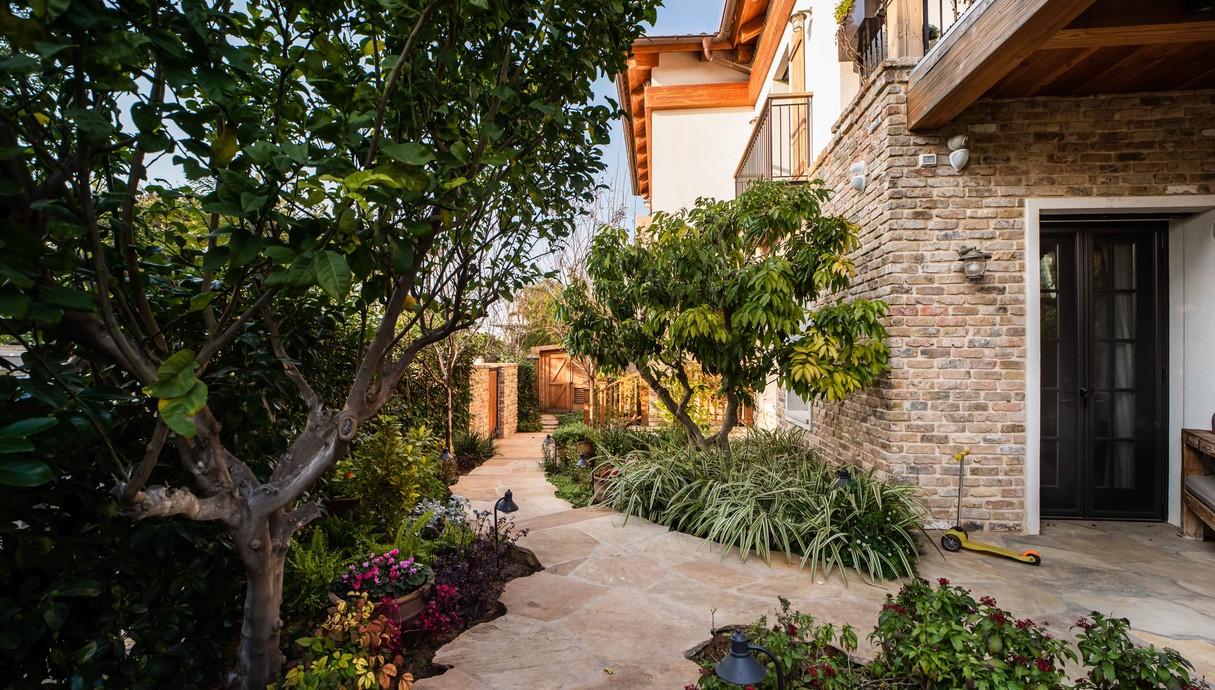 בית בסביון, עיצוב קורין הכט אמסלם, יעל אלמור אדריכלים - 34