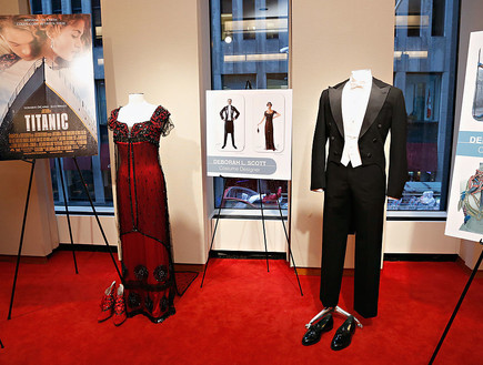 השמלה של רוז מטיטניק (צילום: Cindy Ord Getty Images)