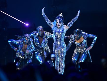 ליידי גאגא בהופעה (צילום: Theo Wargo Getty Images for AT&T)