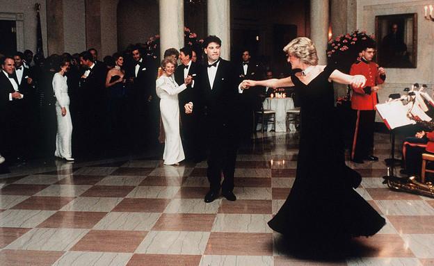 ג'ון טרבולטה והנסיכה דיאנה רוקדים בבית הלבן