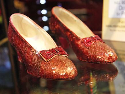 הנעליים של ג'ודי גרלנד (צילום: Brian ToFilmMagic)