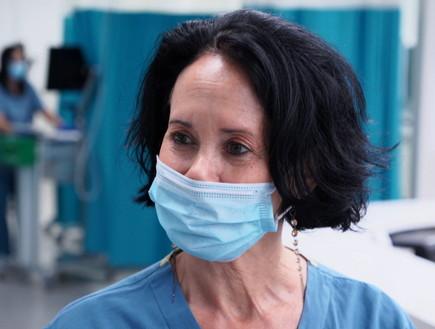 עידית מטות הרופאה הססגונית (צילום: החדשות 12)