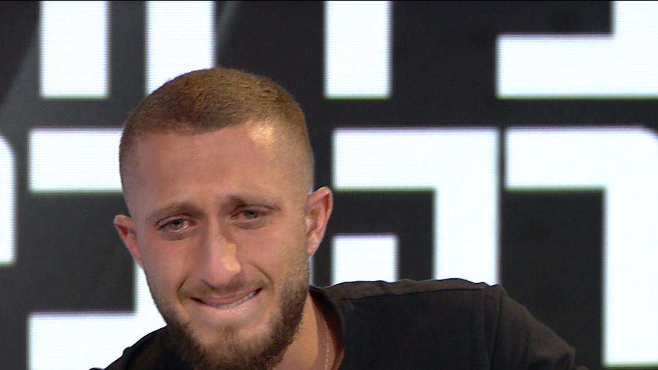"""בן זיני בראיון ראשי אחרי הפרידה מטיילור (צילום: מתוך """"אופירה וברקוביץ'"""", קשת 12)"""