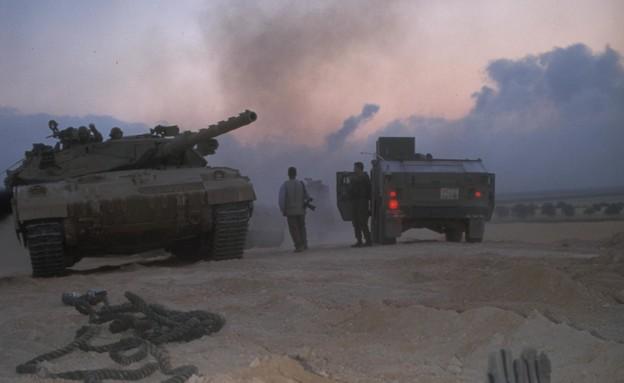 """פינוי ונסיגת צה""""ל מדרום לבנון, 2000 (צילום: יעל אנגלהרט, לע""""מ)"""