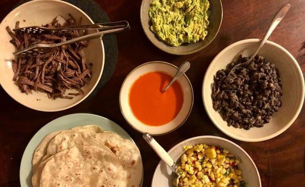 אורנה ואלה - ארוחה בטורטיה (צילום: אורנה אגמון ואלה שיין , אוכל טוב)