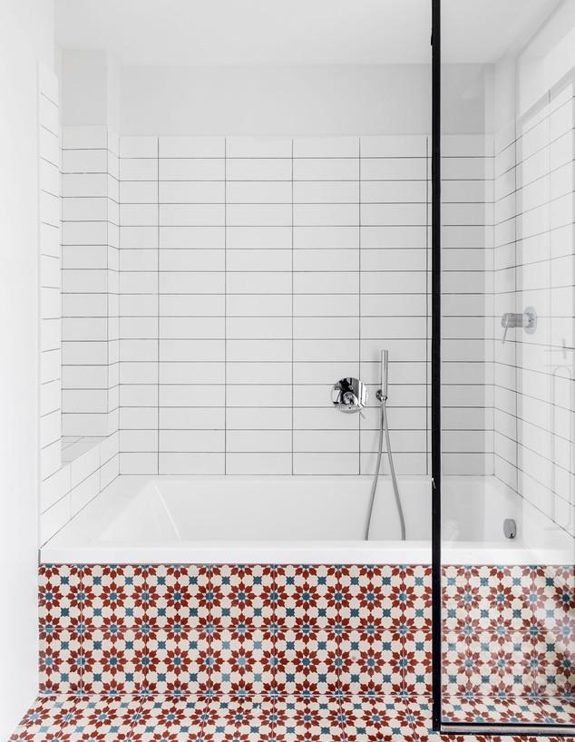 חדרי רחצה צבעוניים, ג, 6 עיצוב צחית תשובה