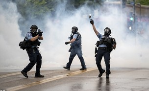 הפגנות אלימות בעקבות מותו של ג'ורג' פלויד (צילום: AP)