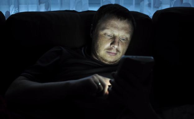 גבר עצוב (צילום: shutterstock | danshanin)