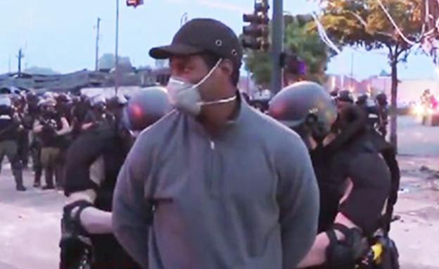 בשידור ישיר: כתב CNN והצוות שלו נעצרו ע