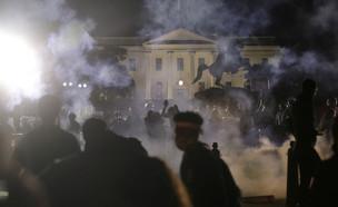 הפגנות ליד הבית הלבן (צילום: שי פרנקו,רויטרס)