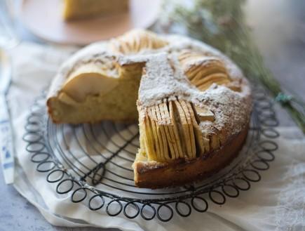 עוגת תפוחים שקועים חתוכה