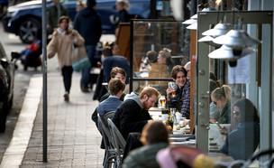 שבדיה קורונה מסעדות (צילום: רויטרס)
