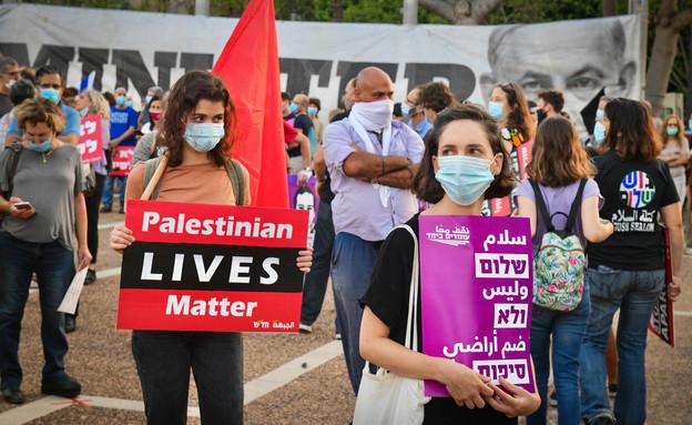 אלפים בהפגנה בתל אביב נגד החלת הריבונות (צילום: אבשלום שושני, פלאש 90)