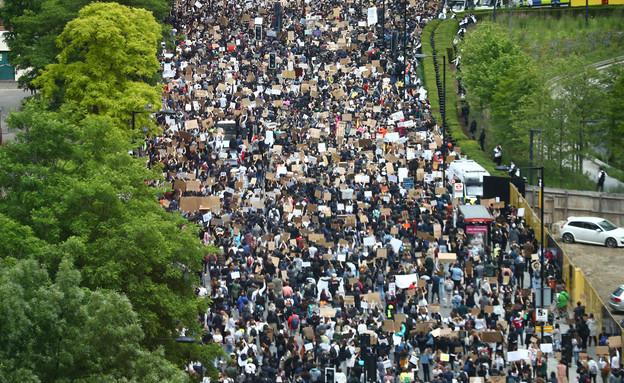 מחאות נגד אלימות כלפי שחורים (צילום: שי פרנקו, רויטרס)