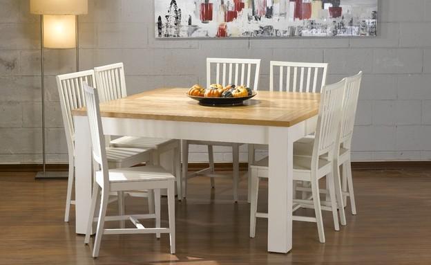 הזורע, שולחן אוכל מרובע עם שתי הגדלות, 4,990 שקל במקום 8,990 שקל,  (צילום: ישראל כהן)