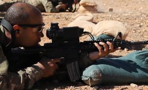 הלוחמים עם הכוונת (צילום: U.S. Army photo by Staff Sgt. William Howard)