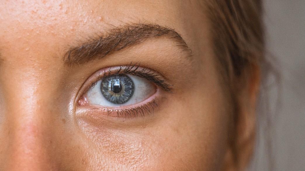 עין, קלוז אפ (צילום: amanda dalbjorn / unsplash)