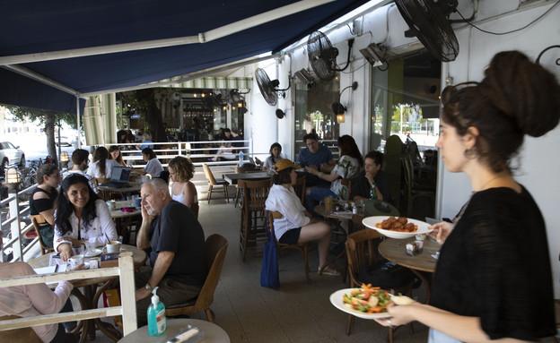 פתיחת המסעדות הובילה לצניחה בציות להנחיות