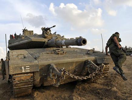 חייל וטנק אילוסטרציה (צילום: דובר צהל)