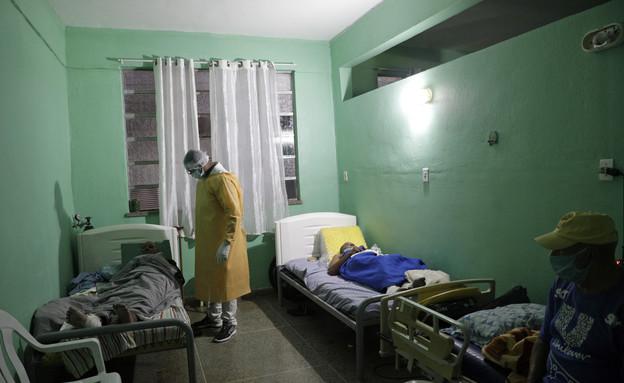 חולי קורונה בבית חולים בריו דה ז'נרו, ברזיל (צילום: reuters)