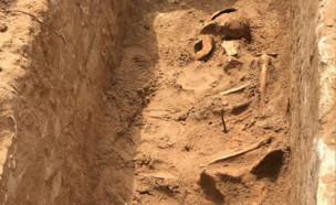 שרידי עצמות באתר המריבה ביפו (צילום: אתר יאפא 48)